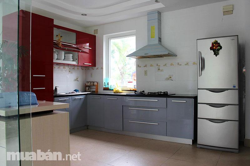 Sở hữu không gian bếp sang trọng, tiện nghi