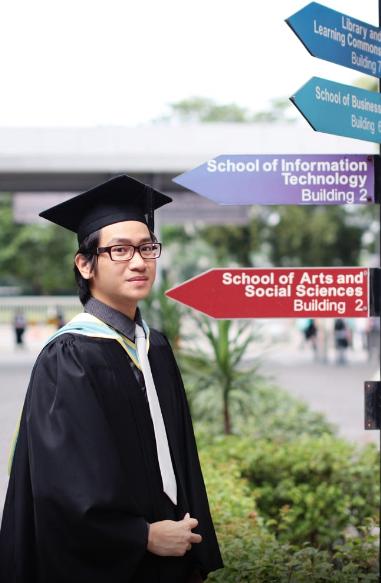 cử nhân khóa công nghệ sinh học đại học Monash Úc