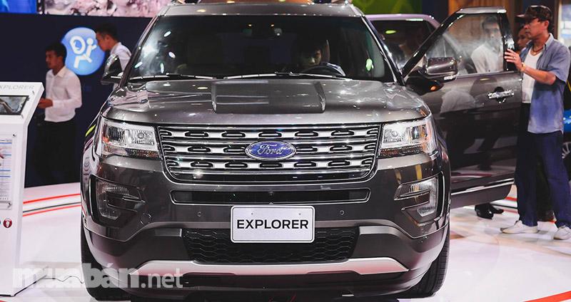 Explorer 2017 có ngoại hình không quá khác với phiên bản trước đó