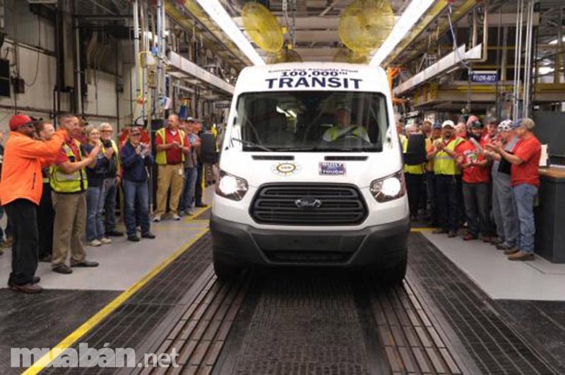 """Ford Transit là mẫu xe đạt được nhiều giải thưởng danh giá như """"Xe thương mại của năm"""""""