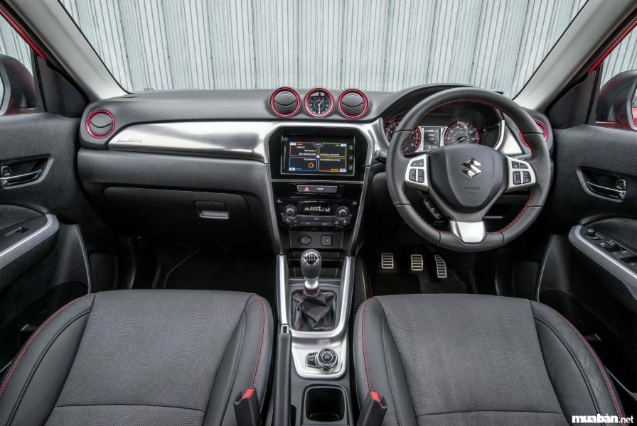 Nội thất của Suzuki Vitara hướng đến sự đơn giản, dễ sử dụng