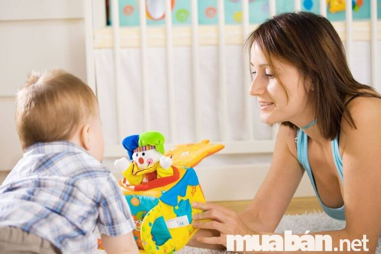Những món đồ chơi giúp bé phát triển toàn diện
