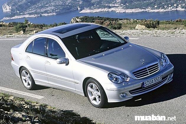 Mua xe Mercedes cũ có nhiều lợi ích