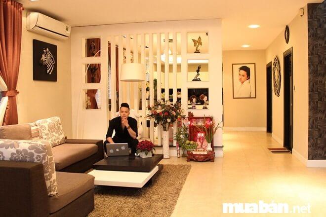 Bên trong căn hộ sang trọng và ấm cúng