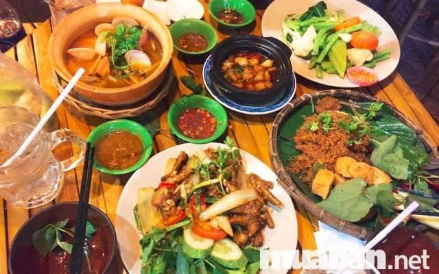 Món ăn trong thực đơn đa dạng để khách hàng dễ chọn lựa