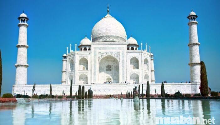 Đền Taj Mahal được xem là 1 trong 7 kỳ quan thế giới