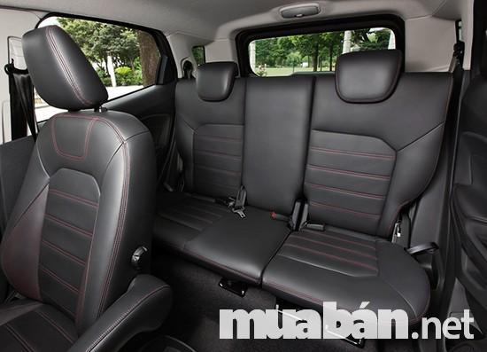Ghế sau được thiết kế với chiều cao có thể dành cho người cao đến 1.8m