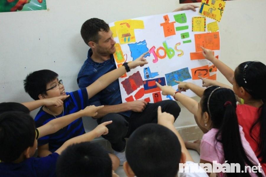 Cần thật sự có tâm huyết với nghề vì giáo viên chính là người đưa đò cung cấp nhân tài cho xã hội