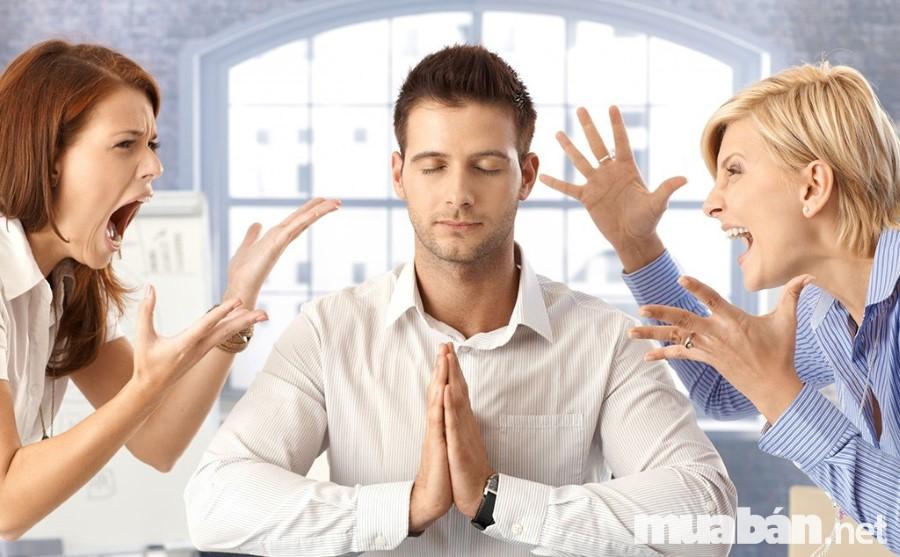 là nhân viên phục vụ cần giữ được bình tĩnh trong mọi tình huống