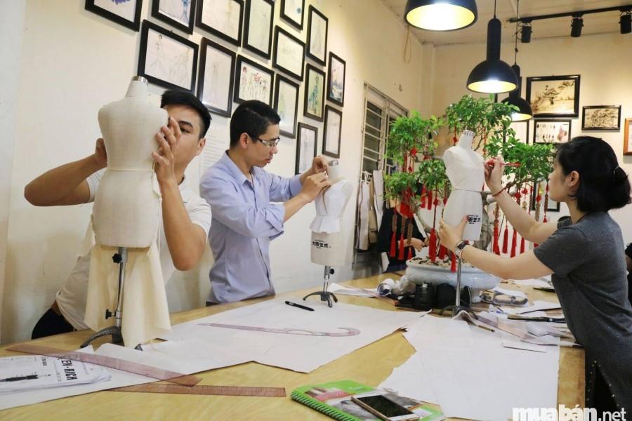 Lớp học nghề thợ may thiết kế thời trang