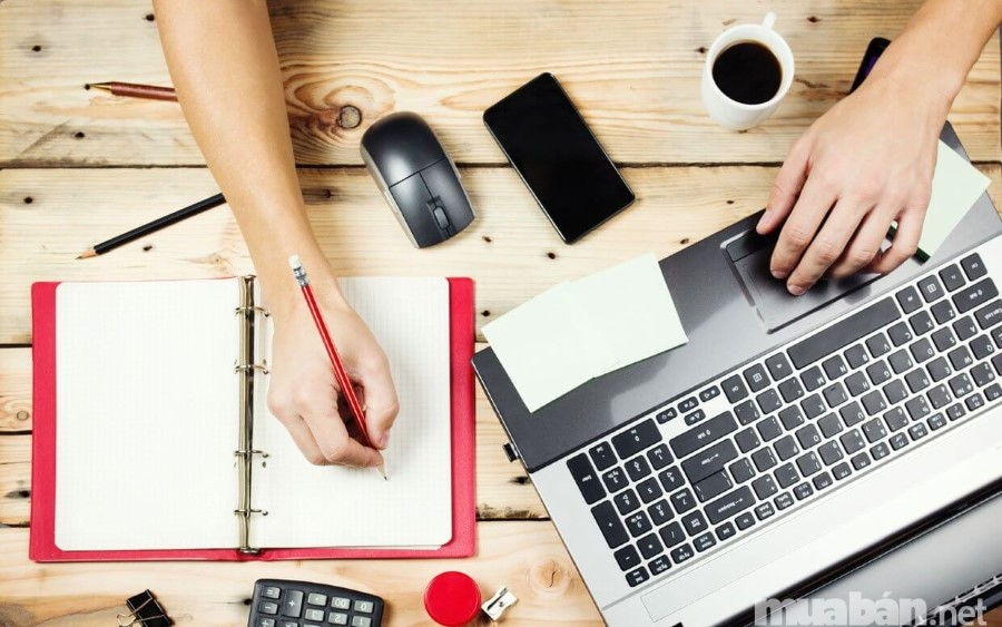 Tìm việc làm qua internet được xem là hiệu quả nhất