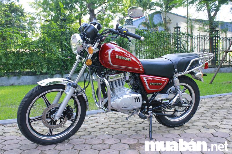 Suzuki GN125 vẻ đẹp của huyền thoại