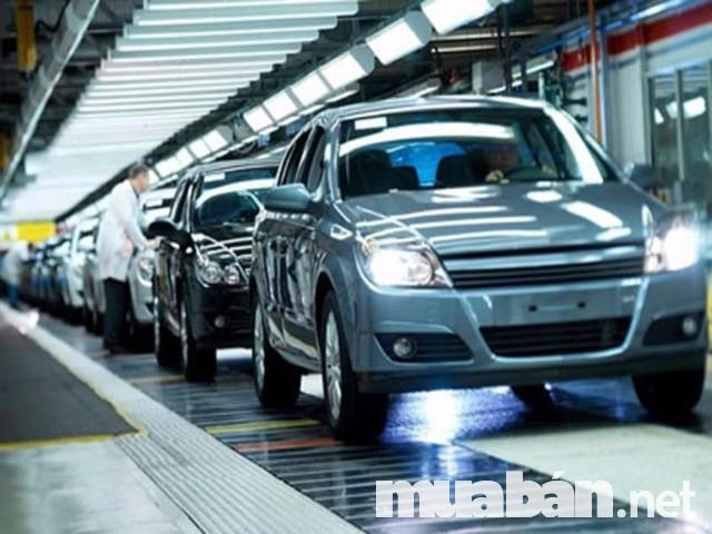 Hoạt động nhập khẩu ô tô vào thị trường Việt Nam