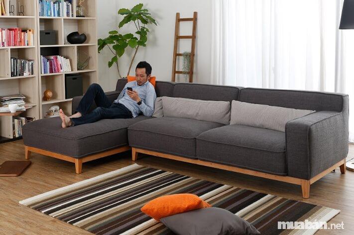 Màu sắc, phong thủy cũng là yếu tố nên lưu ý khi chọn mua bàn ghế phòng khách
