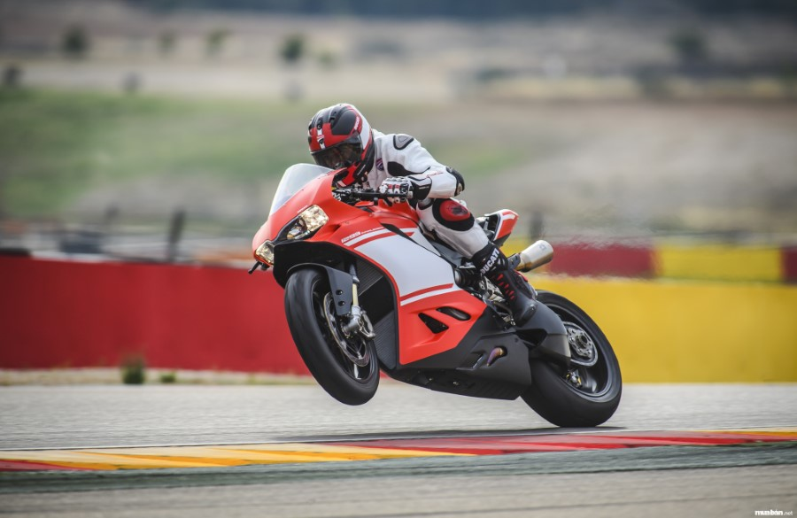3Ducati 1299 Superleggera 13