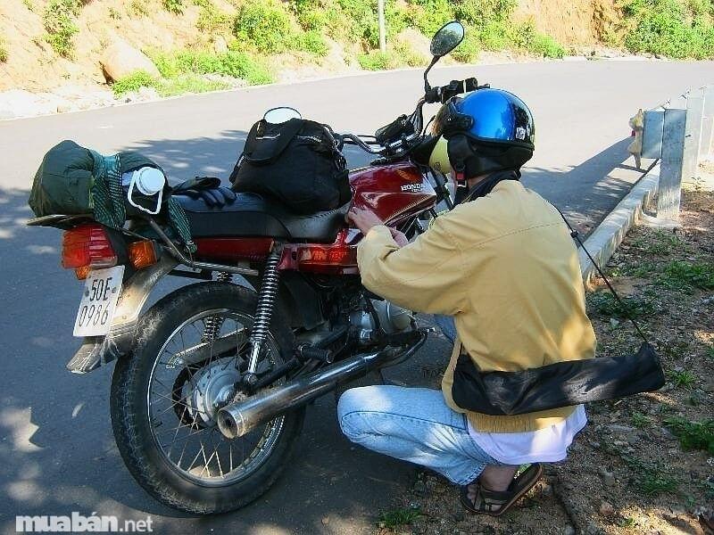 Kiểm tra xe cẩn thận trước khi nhận xe