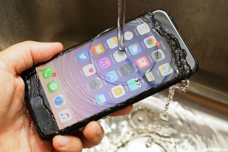 Iphone 7 và 7 Plus có khả năng chống thấm nước, bụi cực đỉnh