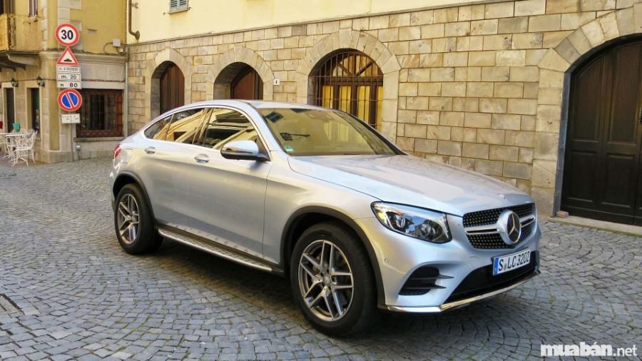 Mercedes GLC Coupe được tạo nên từ những pha trộn đặc biệt gây lạ mắt người nhìn