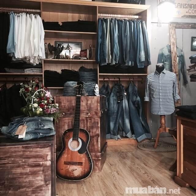 Jeanshop chuyên bán các mẫu quần jeans theo phong cách bụi bặm, nổi loạn
