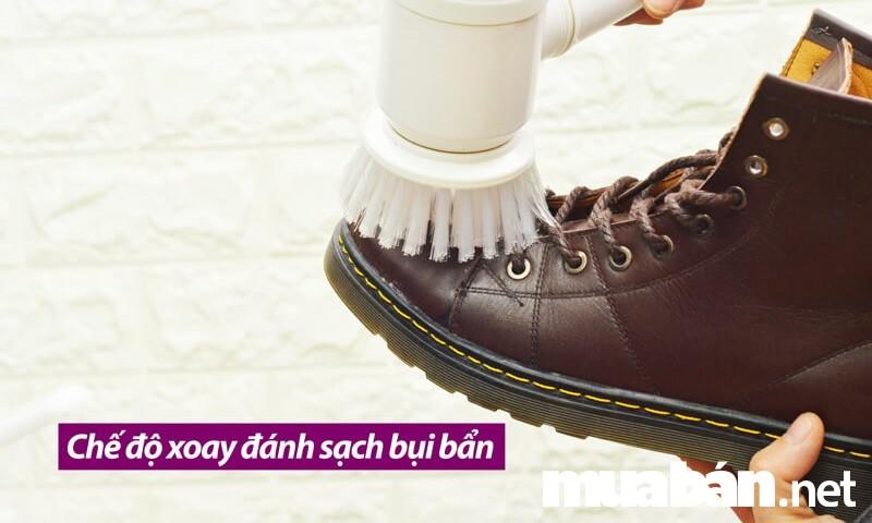 Với máy đánh giày mini bạn có thể làm mới giày nhanh chóng và dễ dàng