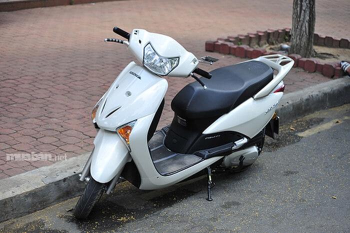 Honda Scr từng rất hot trong phân khúc tay ga tầm trung khi mới ra mắt