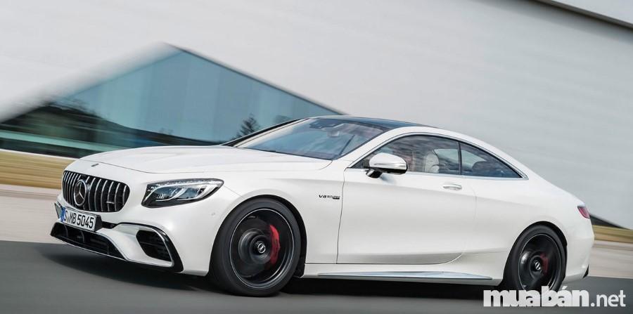 Mercedes S-Class được đánh giá là dòng sản phẩm nổi bật nhất của hãng với thiết kế đầy chất lượng