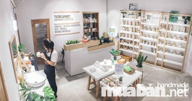 Điểm nổi bật của shop Tự tay làm hết chính là các sản phẩm đều được làm thủ công từ thiên nhiên