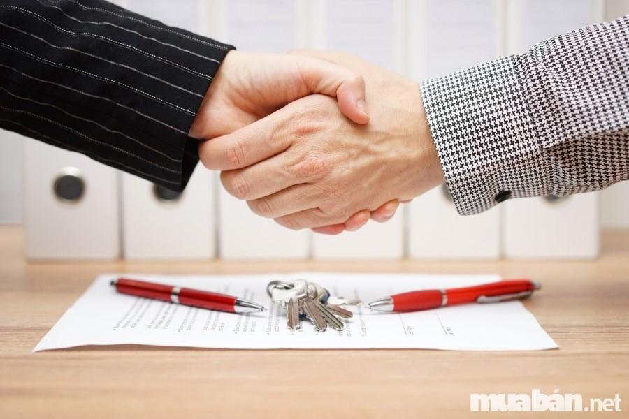 Thủ tục và các loại phí chuyển nhượng nhà đất mà bạn không thể bỏ qua khi tiến hành giao dịch bất động sản