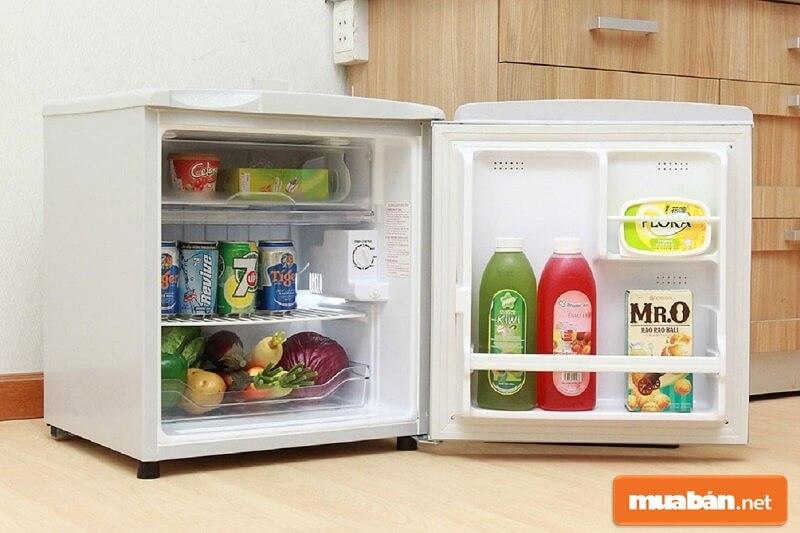 Đúng như tên gọi của nó, tủ lạnh mini là một loại tủ lạnh nhỏ xinh với dung tích khiêm tốn.