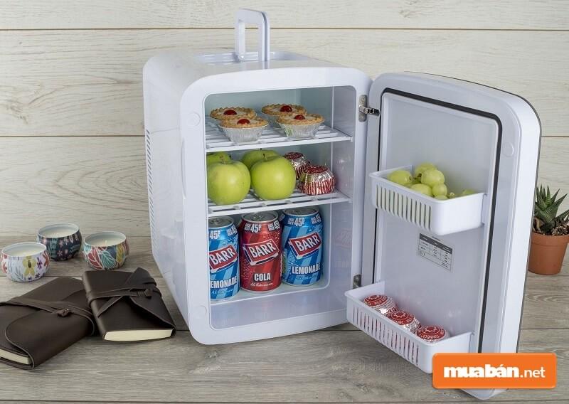 Dòng tủ lạnh này ra đời dành cho những không gian chật hẹp nên kích thước của tủ rất nhỏ, trọng lượng nhẹ.