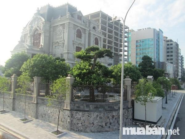 Biệt thự đẹp- Lâu đài Tổng Hải Sơn