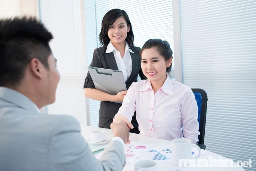 Để thành công trong quá trình phỏng vấn, sinh viên cần học tập các kinh nghiệm hữu ích