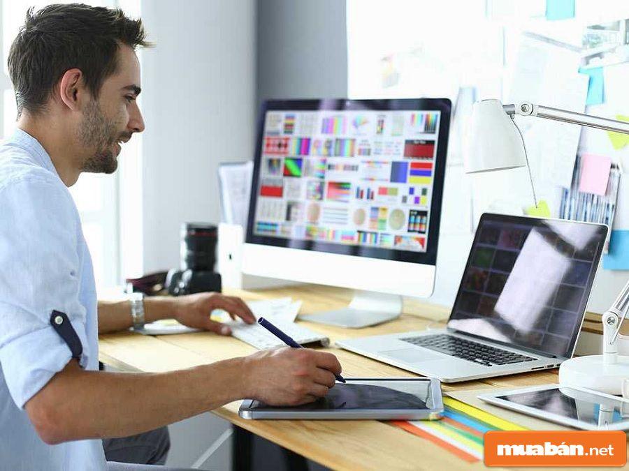 Designer là công việc tại nhà được nhiều bạn trẻ ưa thích hiện nay.