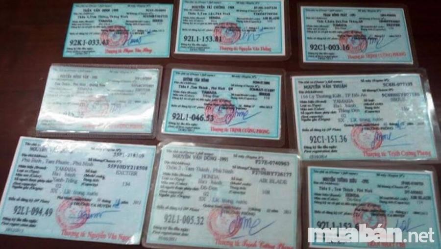 Người bán xe cần có đầy đủ các giấy tờ xe hợp pháp
