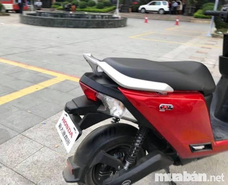 Xe Honda H1 được trang bị động cơ pin-axit vô cùng mạnh mẽ
