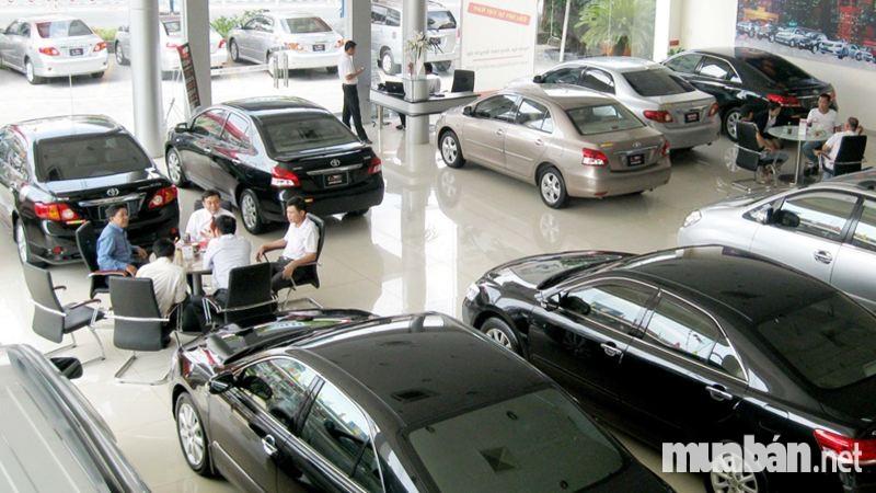 Mua bán xe ô tô cũ tại các đại lý chính hãng