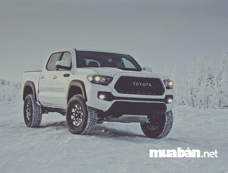 Toyota Tacoma Trang Bị Hệ Thống Chống Trượt Rất An Toàn Cho Những Ai Mới Biết Lái Xe.