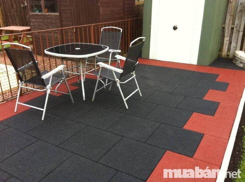 Vật liệu cách âm cho sàn thường là thảm bông, thảm cao su