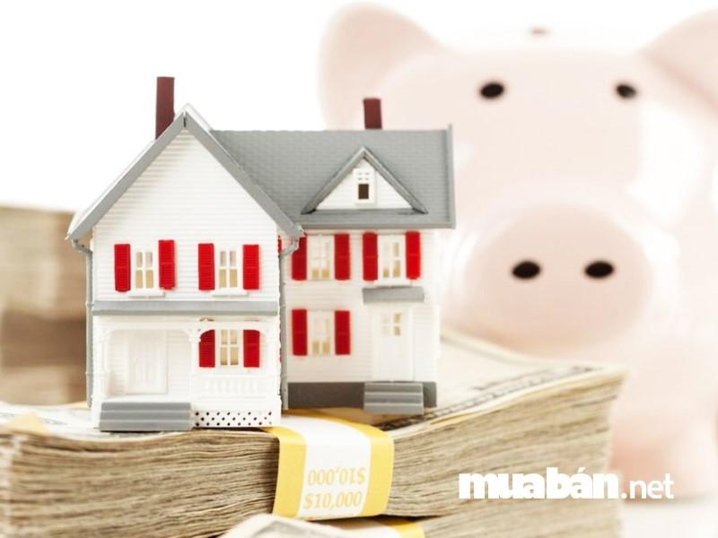 Trước khi mua nhà trả góp bạn nên khảo sát, thăm dò giá cả.