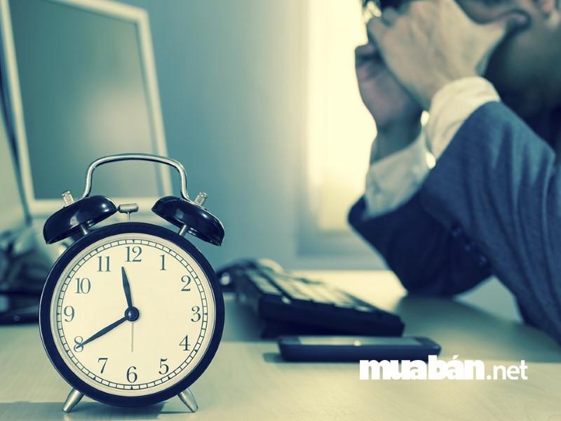 Chỉ nên làm việc 8 giờ/ ngày để đảm bảo sức khỏe và có thể tập trung tốt nhất cho công việc.