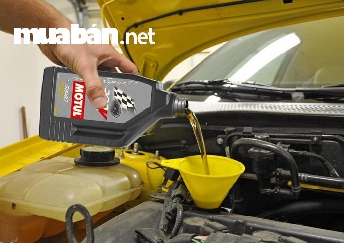 Thay dầu nhớt để bảo vệ bộ máy của xe, tăng tuổi thọ cho xe.