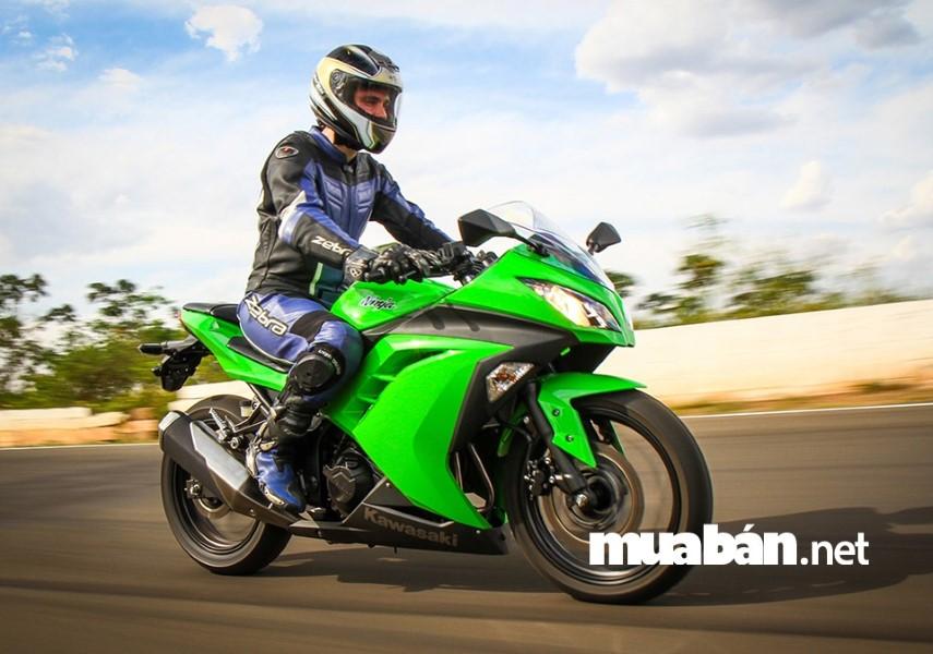 Động cơ Kawasaki Ninja 300 mạnh mẽ và tiết kiệm nhiên liệu
