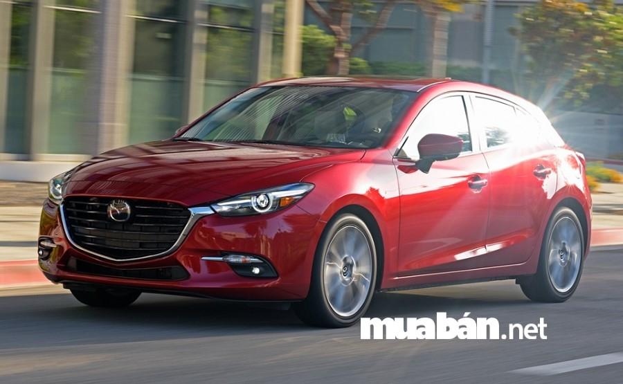 Tại thị trường Việt Nam, Mazda 3 đang là mẫu xe hạng C ăn khách nhất