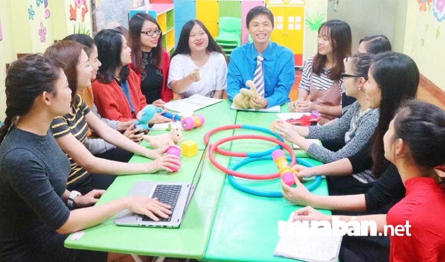 Mô hình tiếng Anh Tomokid do anh Hải sáng lập thành công và hiện đang được phát triển rộng rãi tại Hà Nội.