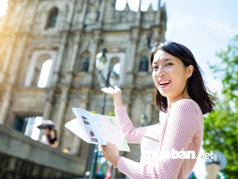 Hãy ứng tuyển vào vị trí hướng dẫn viên du lịch inbound tại Đà Nẵng nếu bạn muốn có việc làm thu nhập cao.