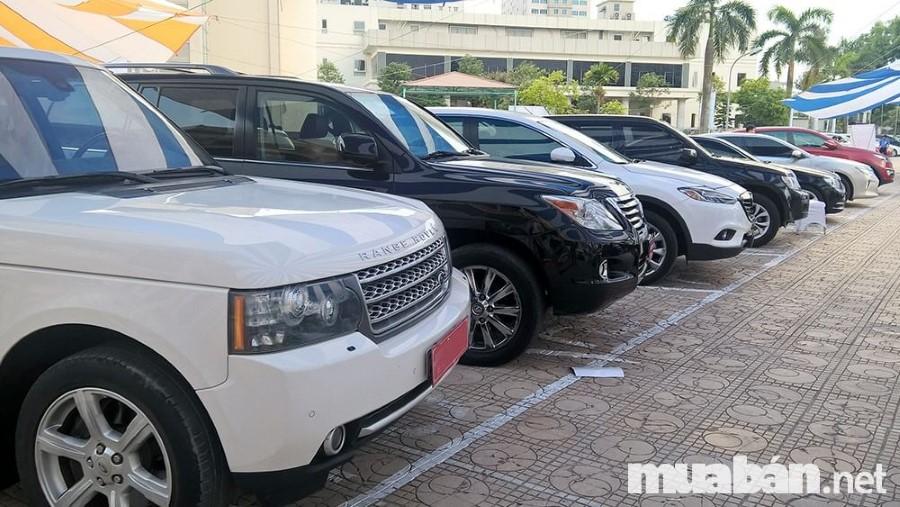Mua bán ô tô cũ rất phát triển ở thị trường Việt Nam vì mức giá thấp