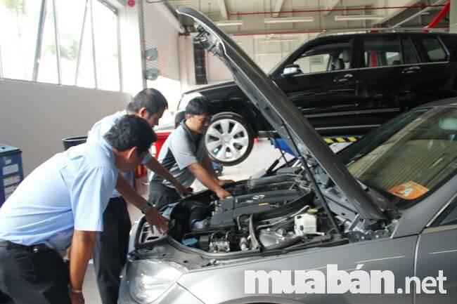 Đừng ngại đặt câu hỏi với người bán để gián tiếp tìm hiểu về chất lượng chiếc xe
