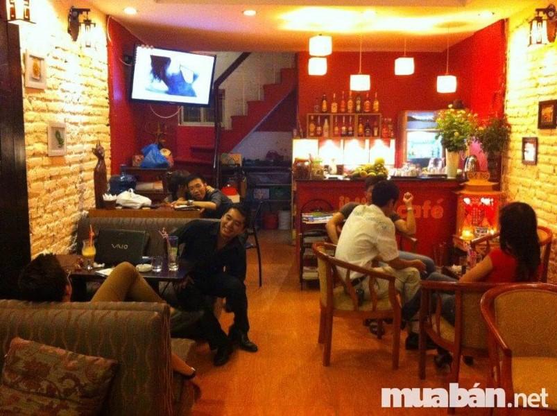 Nhiều môi giới sang nhượng quán cafe dàn cảnh quán đông để lừa khách