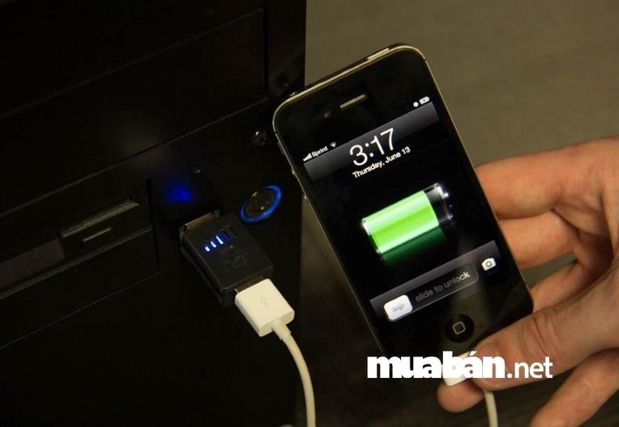 Nhanh hết pin là một trong những lỗi phổ biến rất hay gặp trên điện thoại cũ.