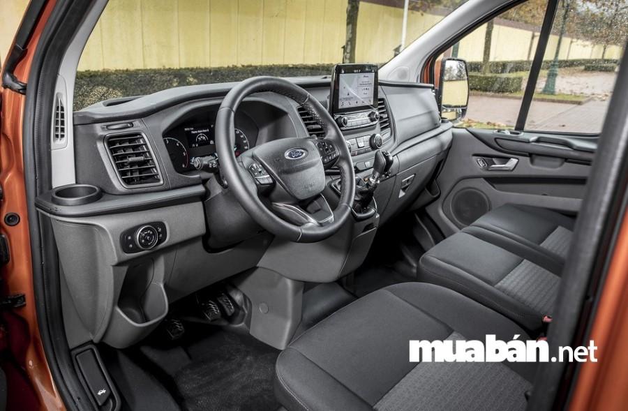 Xe Ford Transit được trang bị đầy đủ các thiết bị hiện đại để đảm bảo an toàn tối đa cho người lái và tất cả hành khách trên xe.